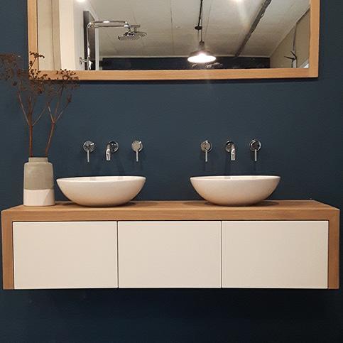 WOOD4 alles voor uw badkamer, kranen, spiegels, tegels ...